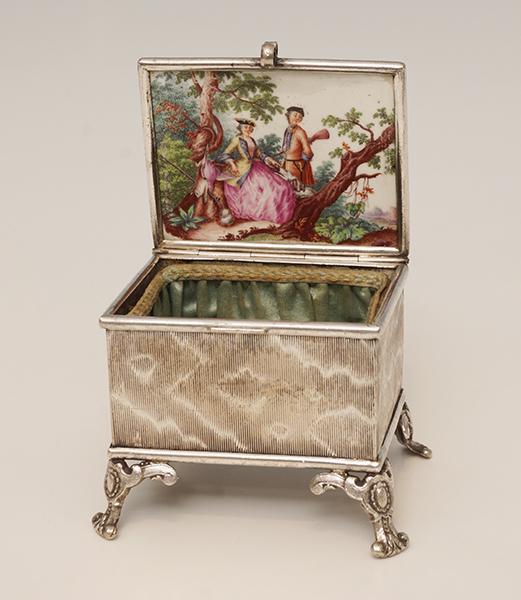 Schmuckdose-18.-Jahrhundert-Meissen-Poestgens